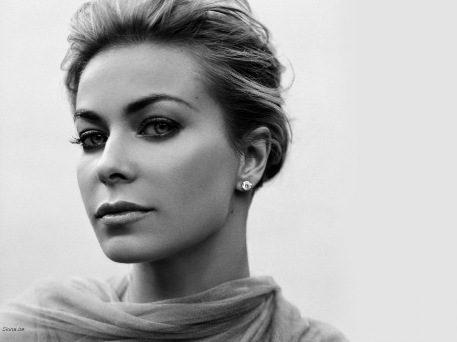 women models Carmen Electra monochrome wallpaper