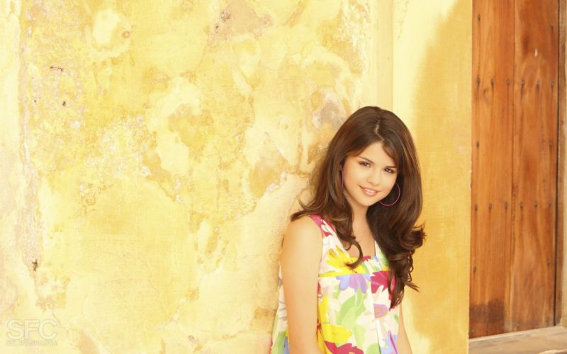 women Selena Gomez celebrity wallpaper