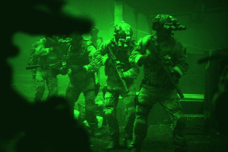 ZERO DARK THIRTY drama history military thriller weapon gun soldier wallpaper
