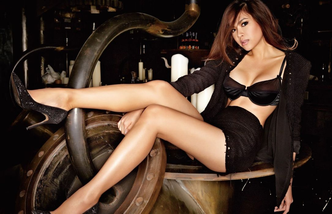 18769 septimiu29 BowieAtthama FHMThailand Oct201216 122 94lo wallpaper