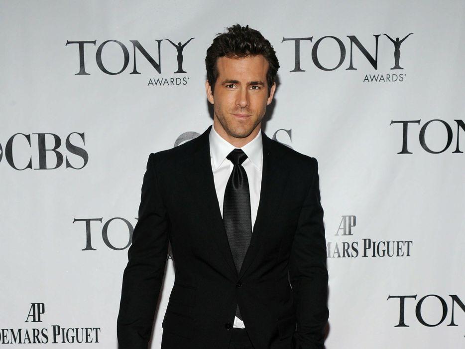men celebrity actors Ryan Reynolds wallpaper