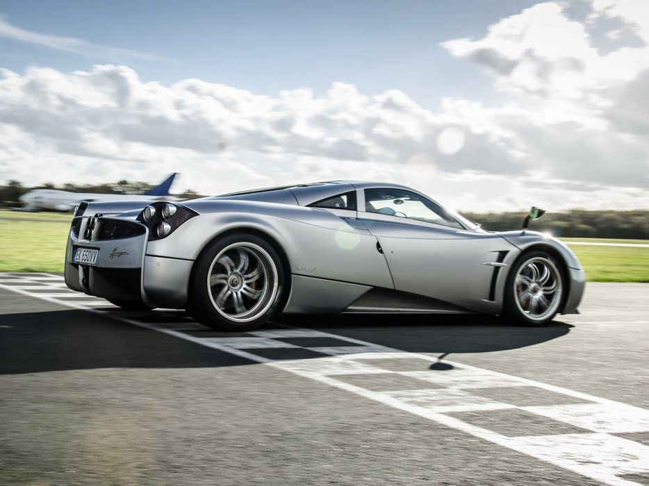 2012 Pagani Huayra supercar  g wallpaper