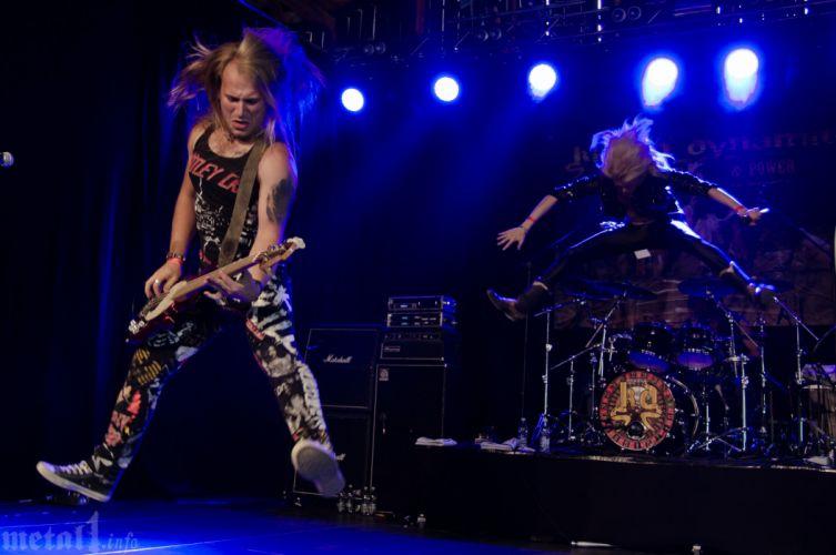 KISSIN DYNAMITE heavy metal concert gd wallpaper