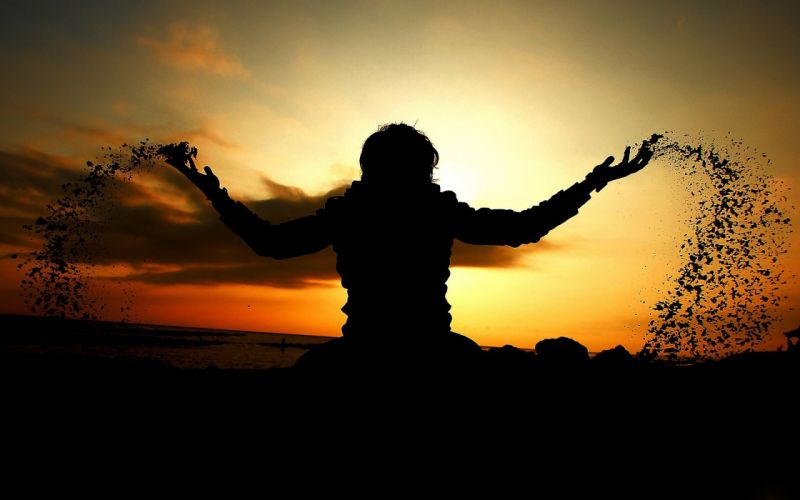 sunset silhouettes arms raised wallpaper