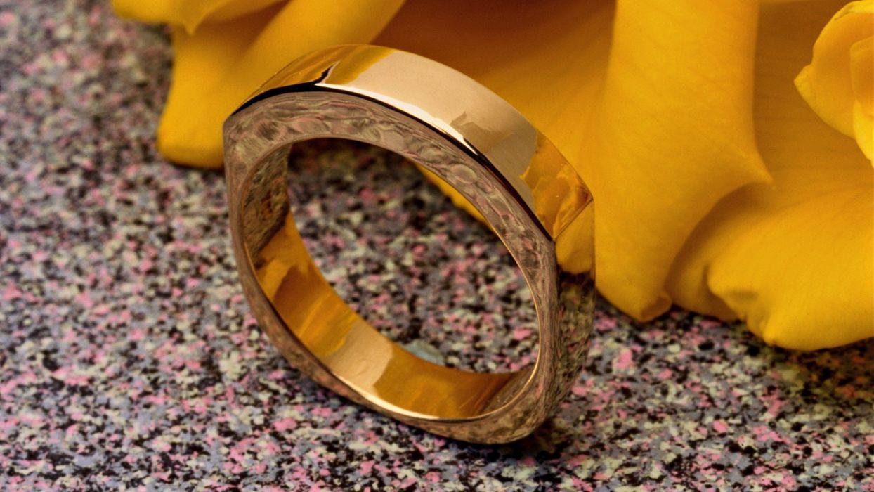gold rings rotor wallpaper