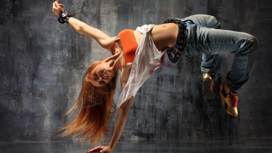 women jeans breakdancing wallpaper