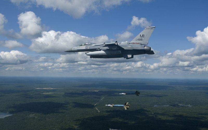 F-16 Fighting Falcon wallpaper