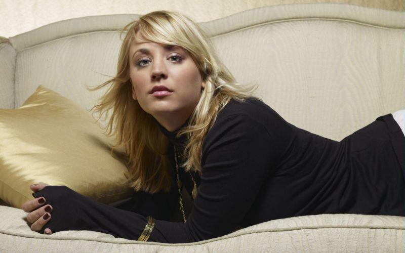 women actress Kaley Cuoco wallpaper