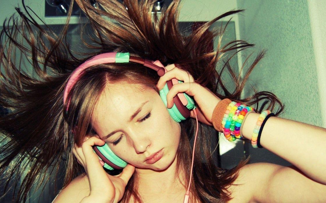 headphones brunettes women music wallpaper