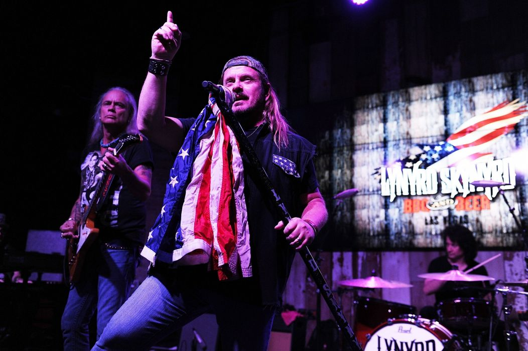 LYNYRD SKYNRD southern hard rock classic country singer microphone concert    hg wallpaper