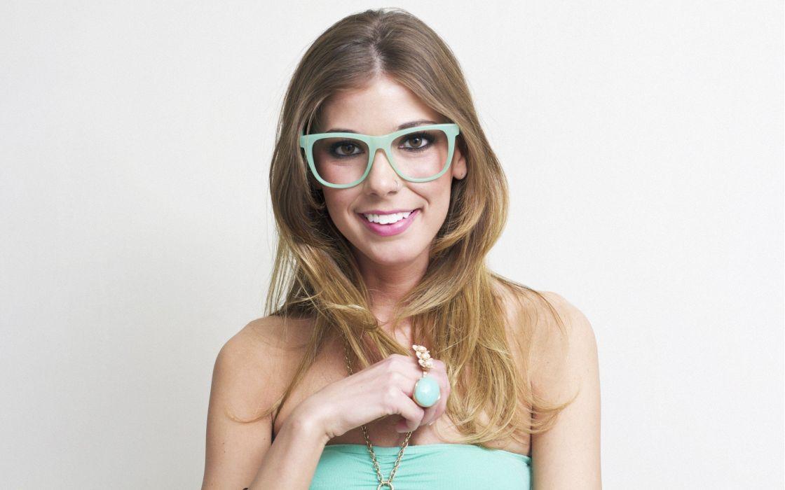 blondes women minimalistic teen glasses amateurs smiling faces white background wallpaper