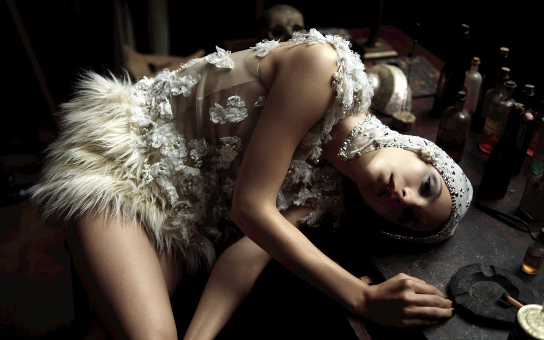 brunettes women lying down wallpaper