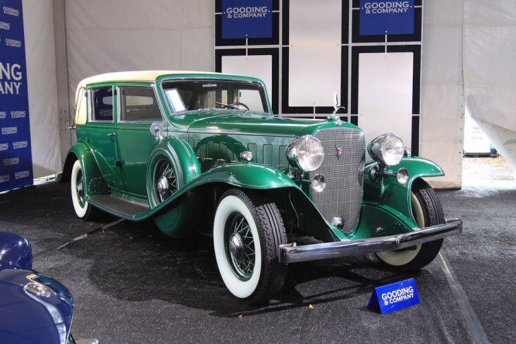 1932 Cadillac V-16 452-B Madame X Imperial Sedan wallpaper