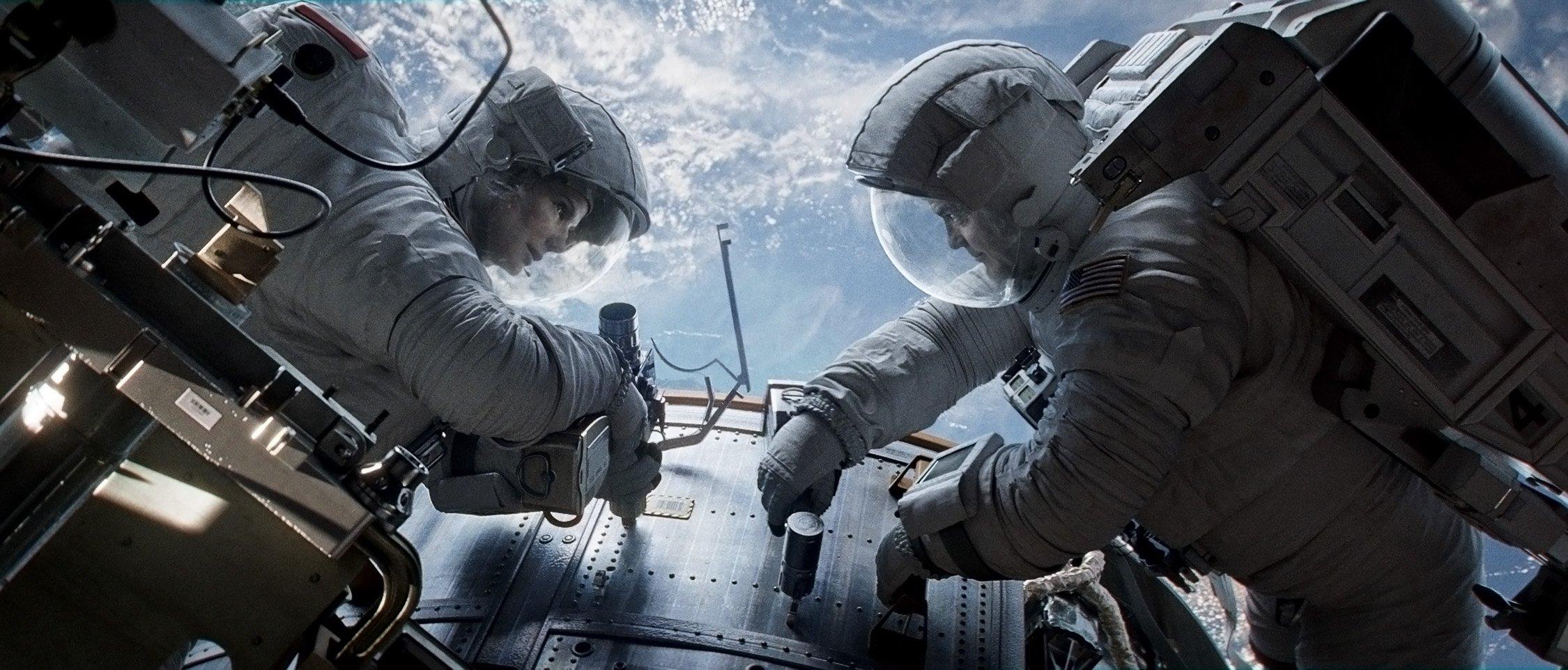 GRAVITY Drama Sci Fi Thriller Space Astronaut Spaceship Planet F Wallpaper