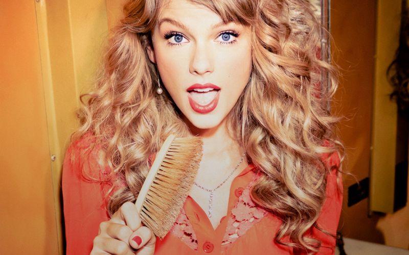 blondes women Taylor Swift mouth singers brush Ellen von Unwerth wallpaper