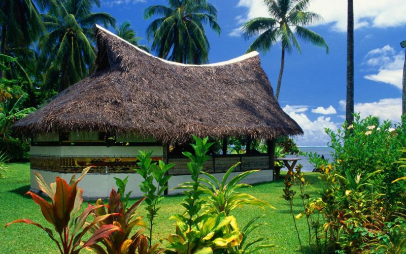 Thatched-Bungalow-Moorea-Island-1680x1050 wallpaper