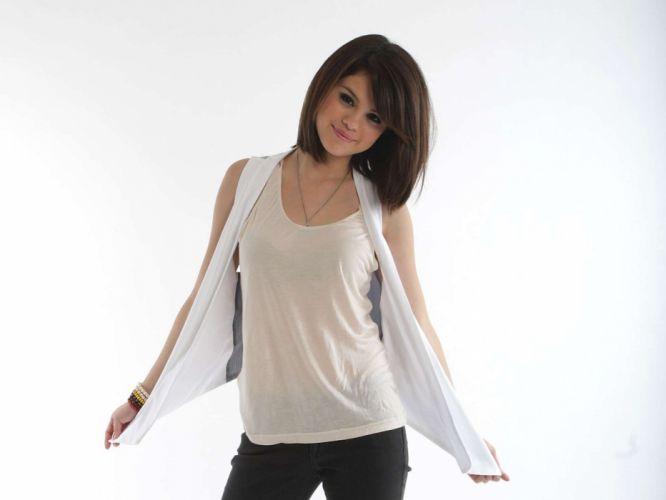 Selena Gomez celebrity wallpaper