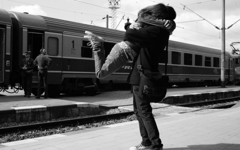 train stations monochrome lovers greyscale hugging wallpaper