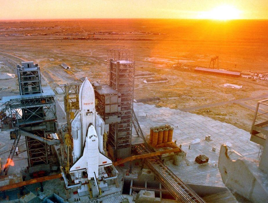 space shuttle buran russian space cccp urrs soviet vkk launching base wallpaper