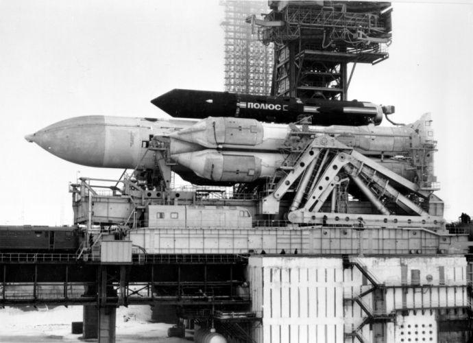 soyuz tma rocket russian space cccp urrs soviet wallpaper