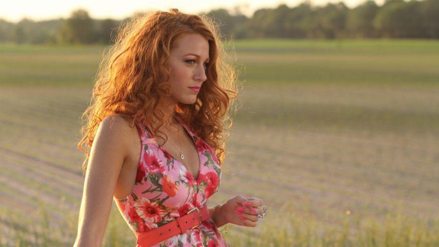 women Blake Lively models wallpaper
