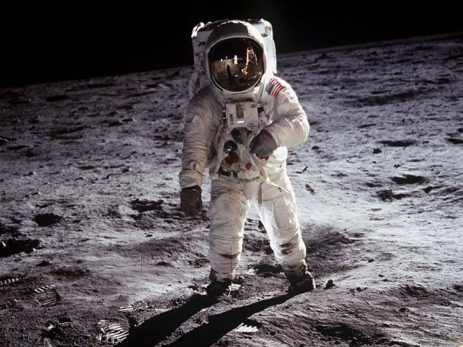 Moon astronauts wallpaper