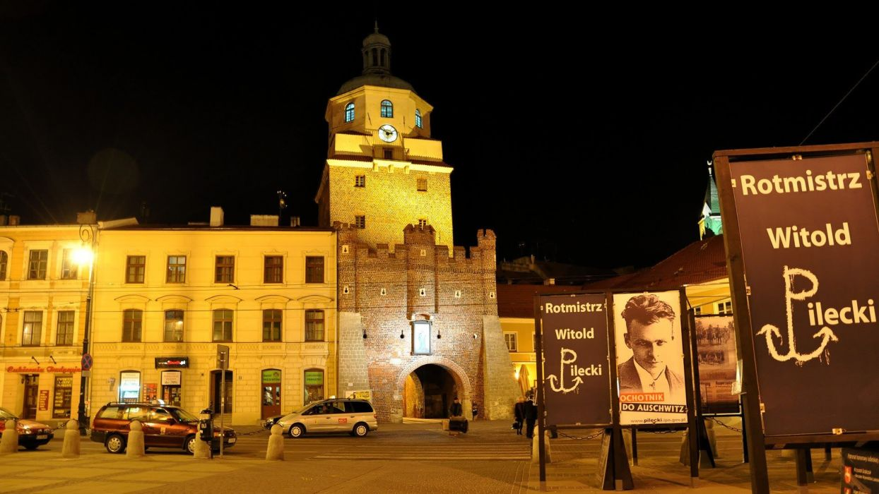 castles cityscapes old Polish towns gate Poland historic Lublin culture wallpaper