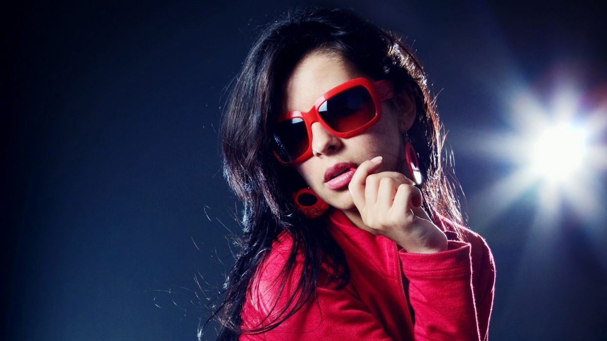 brunettes women music models glasses Disco dancing girls with glasses club clubbing wallpaper