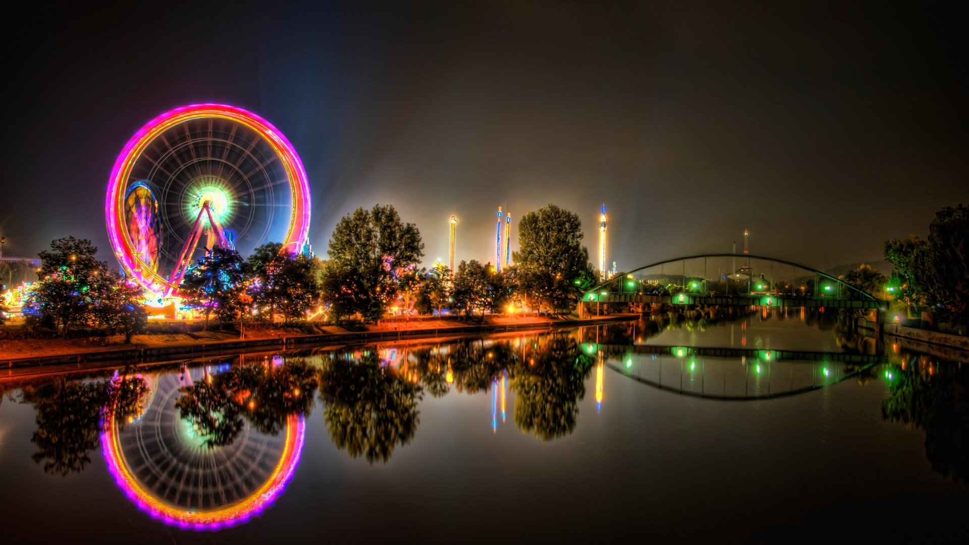 Urban amusement park ferris wheels HDR photography ...