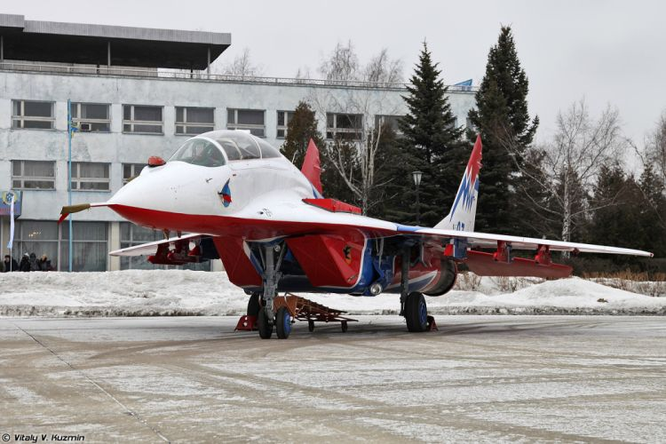 Paralympic Torch Relay and demo flights in Kubinka russian jet fighter MiG-29UB Swifts aerobatics team wallpaper