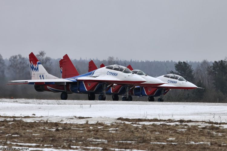 Paralympic Torch Relay and demo flights in Kubinka russian jet fighter MiG-29UB Swifts aerobatics team wallpaper