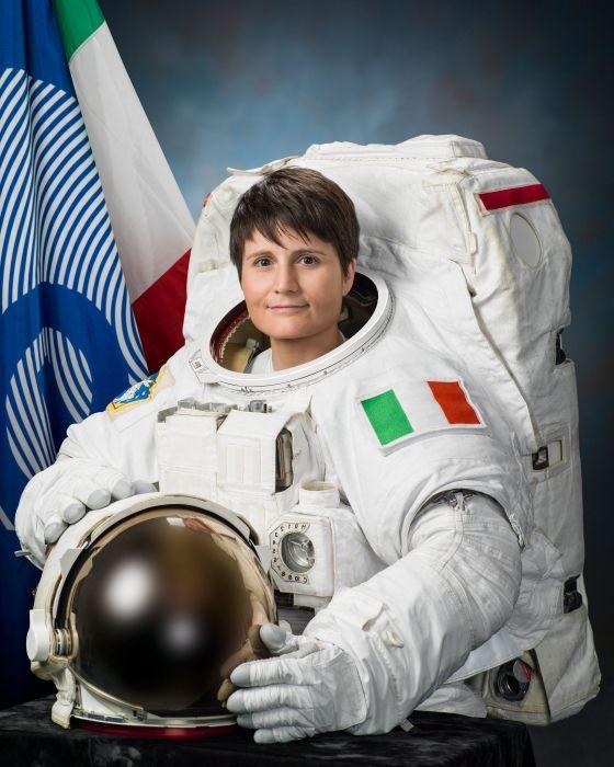 esa space europe astronaut Samantha Cristoforetti wallpaper