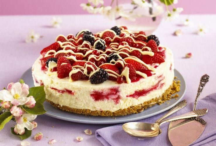 klubnika ezhevika raspberry dessert cake wallpaper