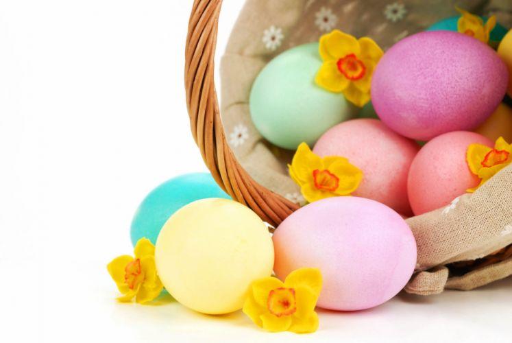 still life Holidays Easter Closeup Eggs Wicker basket wallpaper