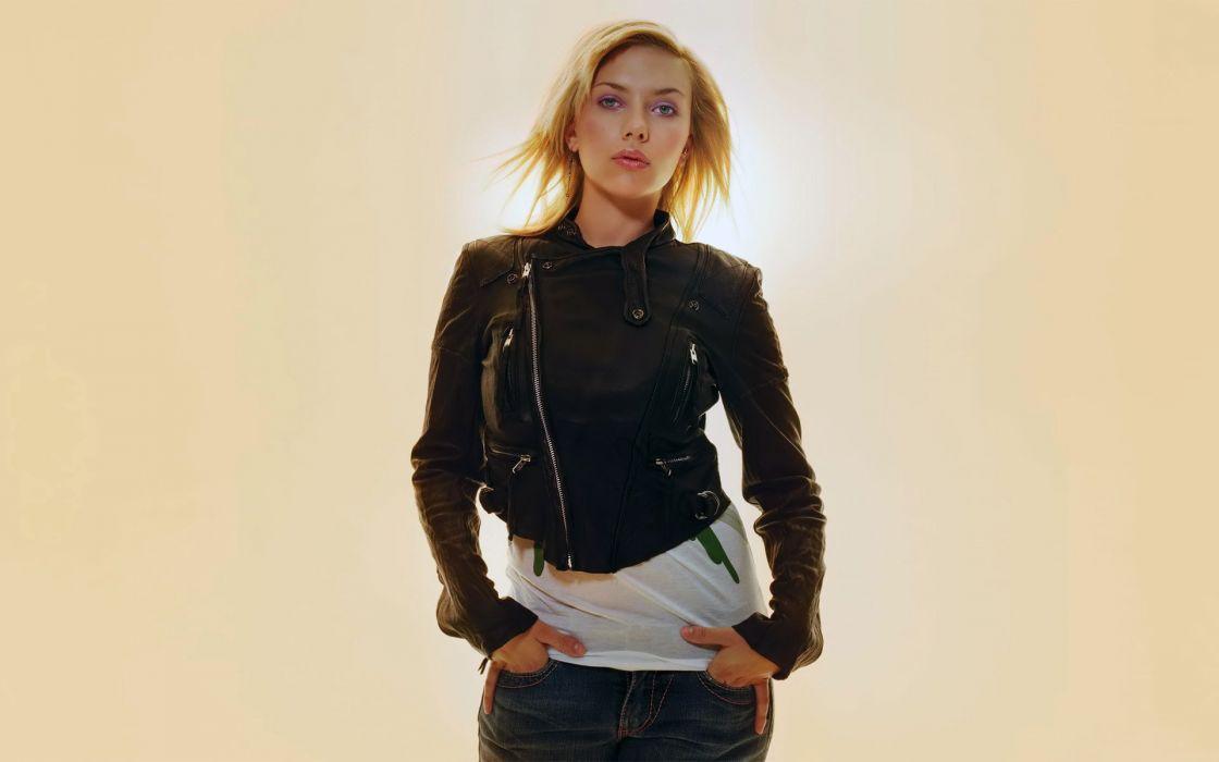 women Scarlett Johansson actress simple background wallpaper