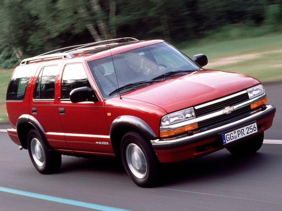 2005 Chevrolet Blazer EU-spec suv stationwagon    f wallpaper