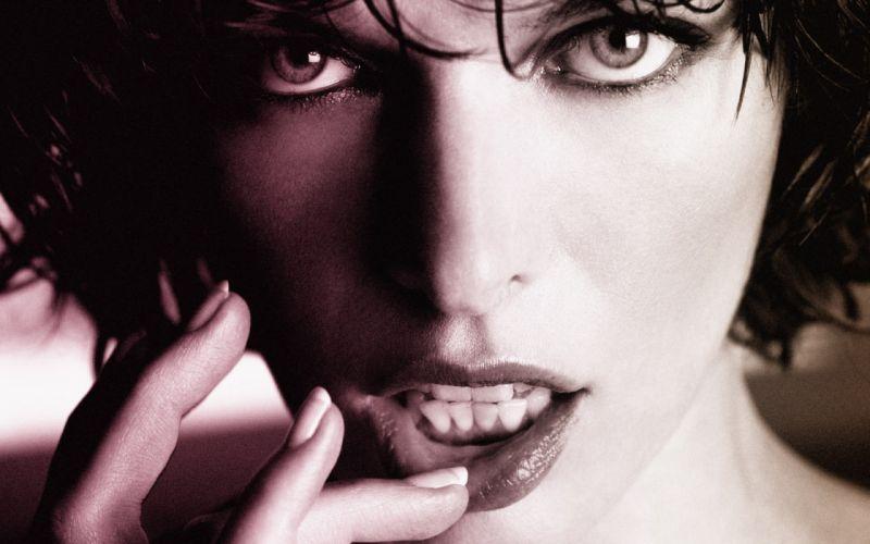 women black and white Milla Jovovich faces wallpaper