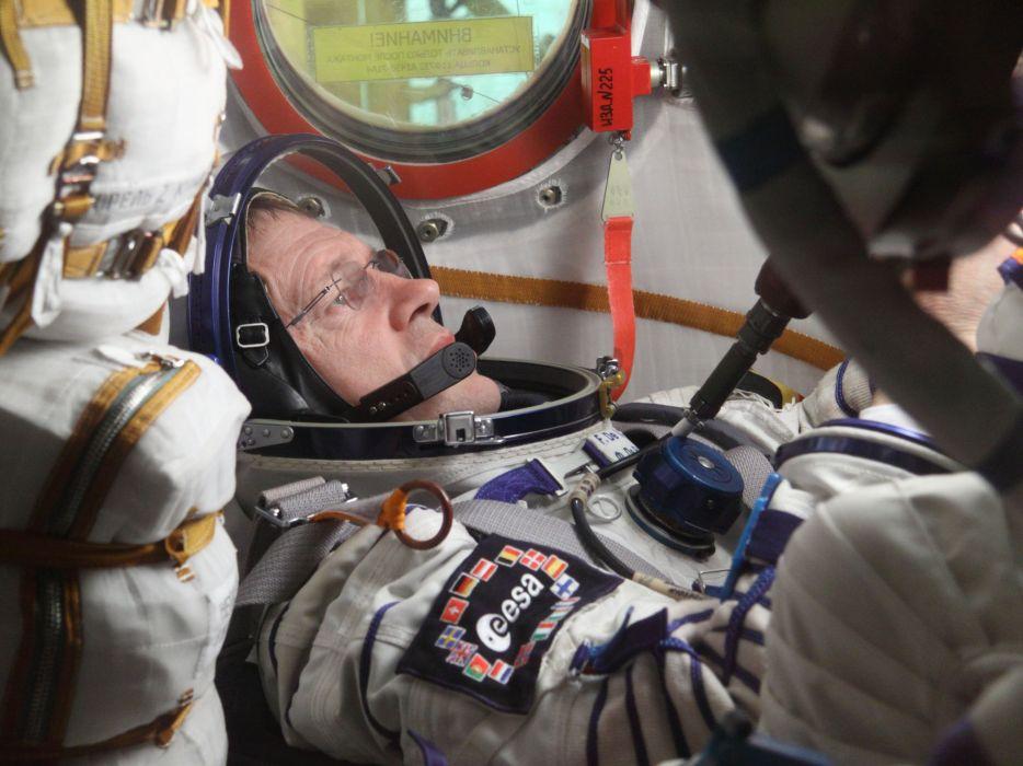 esa europe space Astronaut Frank De Winne in training wallpaper