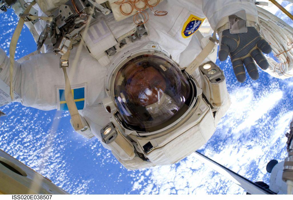 esa europe space Christer Fuglesang during spacewalk wallpaper