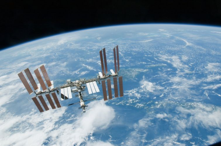 esa europe space ISS seen from Space Shuttle Endeavour wallpaper