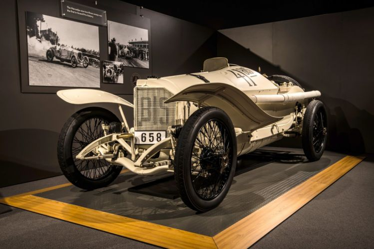 1914 Mercedes 90HP Rennwagen wallpaper