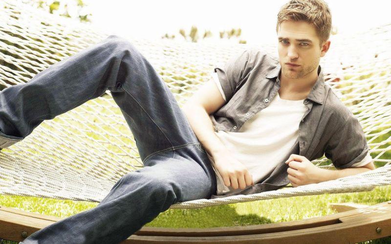 men celebrity Robert Pattinson wallpaper