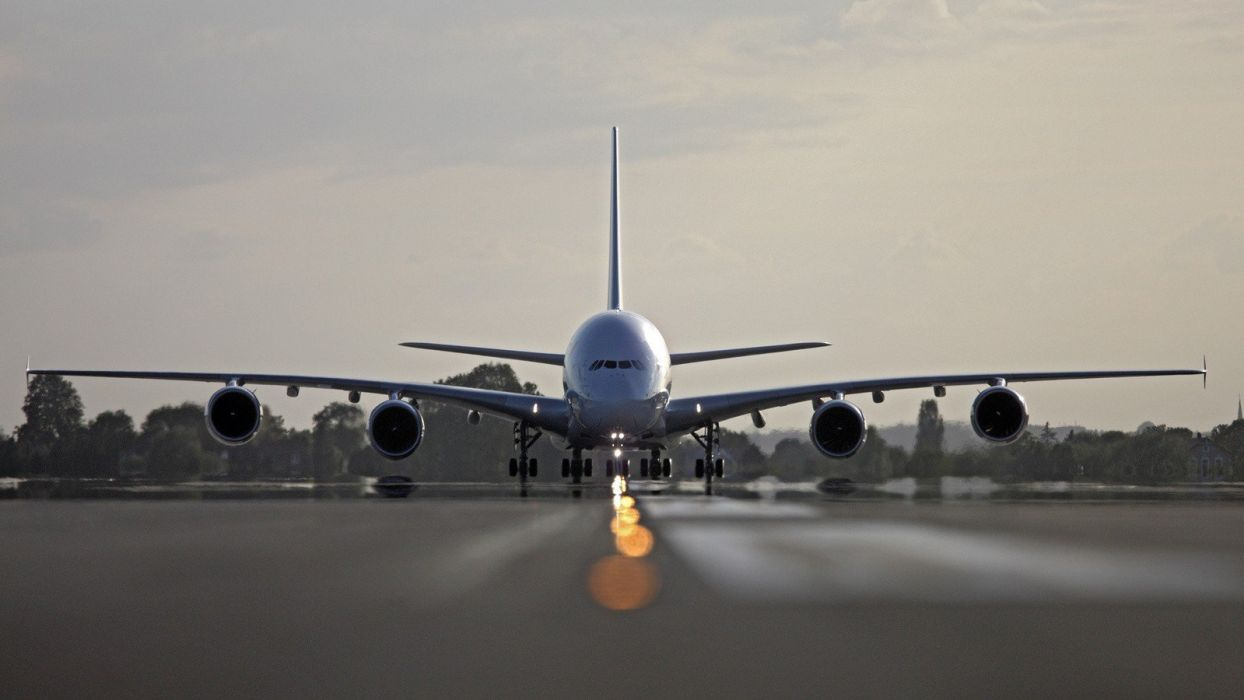 aircraft runway Airbus A380-800 aviation runway lighting wallpaper