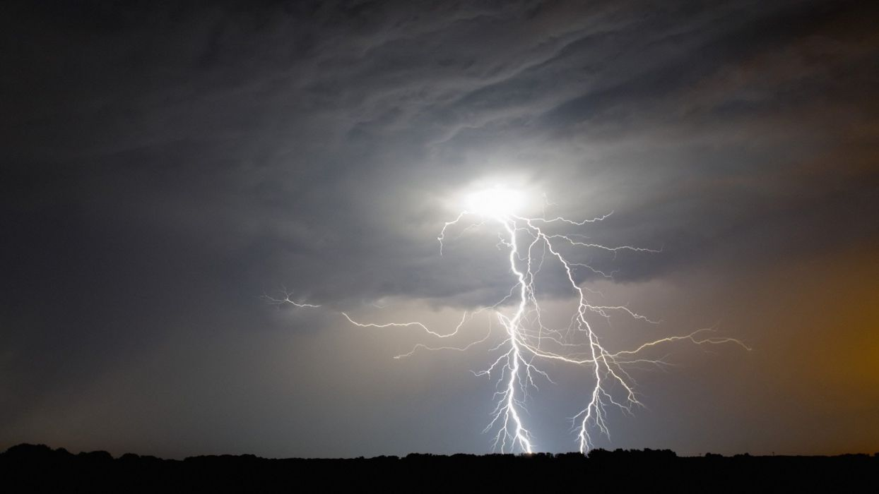 night western lightning Iowa wallpaper