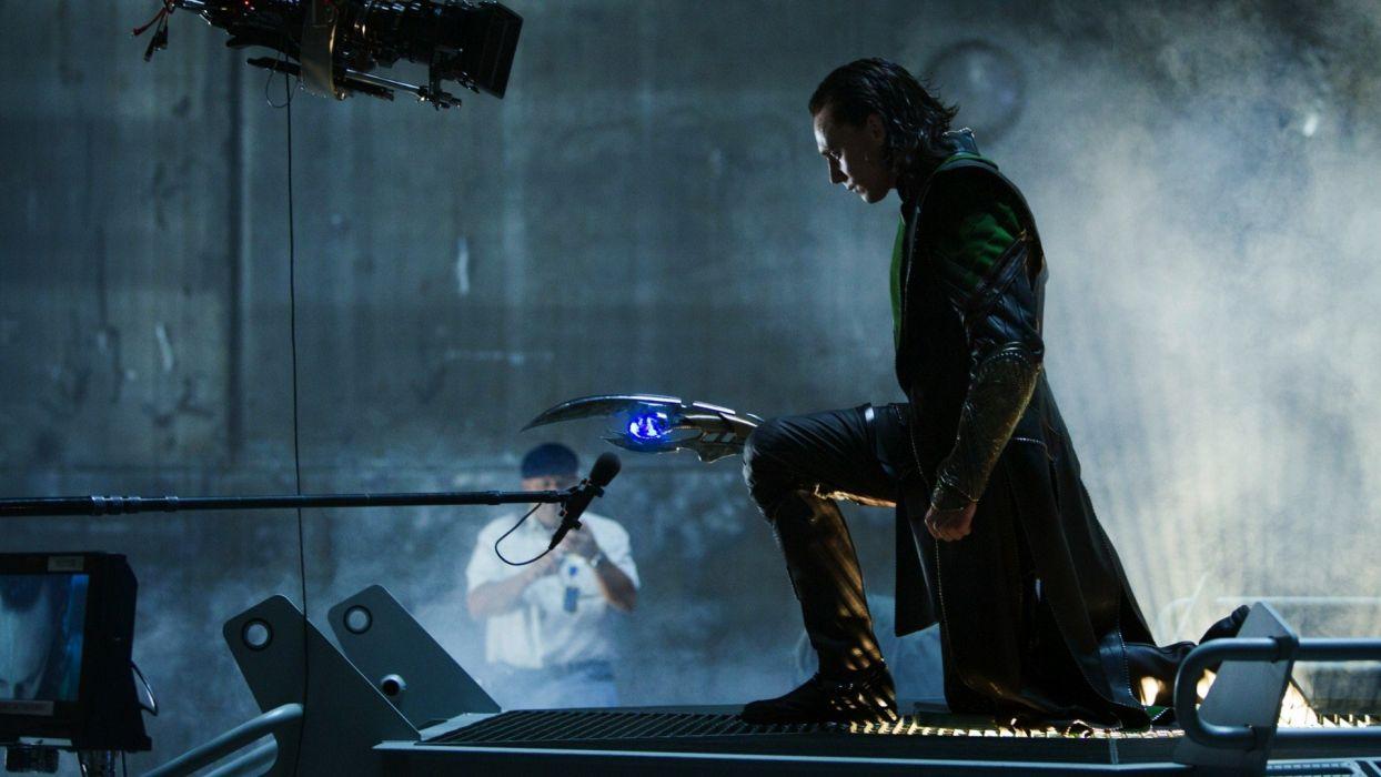 Loki Tom Hiddleston The Avengers (movie) Set Photos sceptres wallpaper