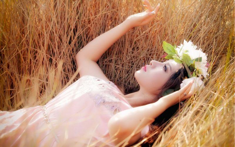 grass mood model fantasy babe wallpaper