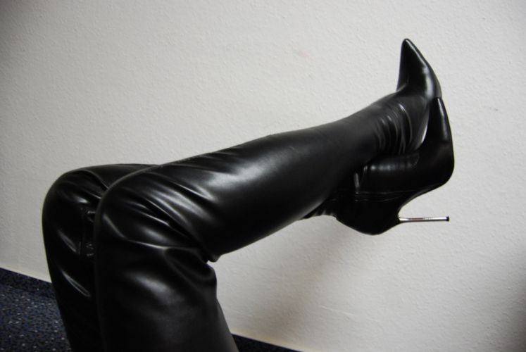 leather boots legs sexy babe y wallpaper