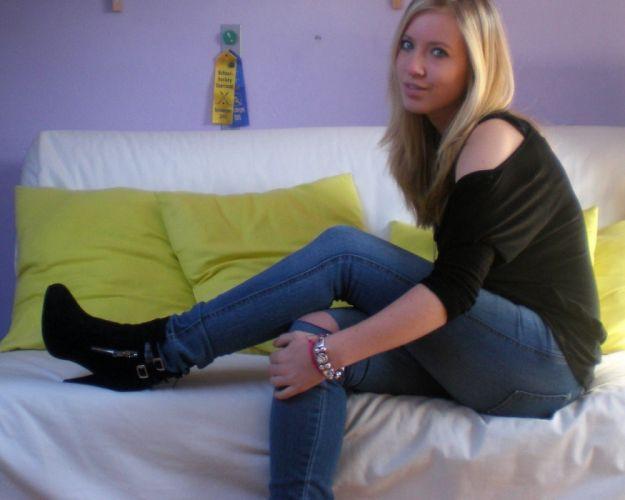 sexy babe blonde legs boots gf wallpaper