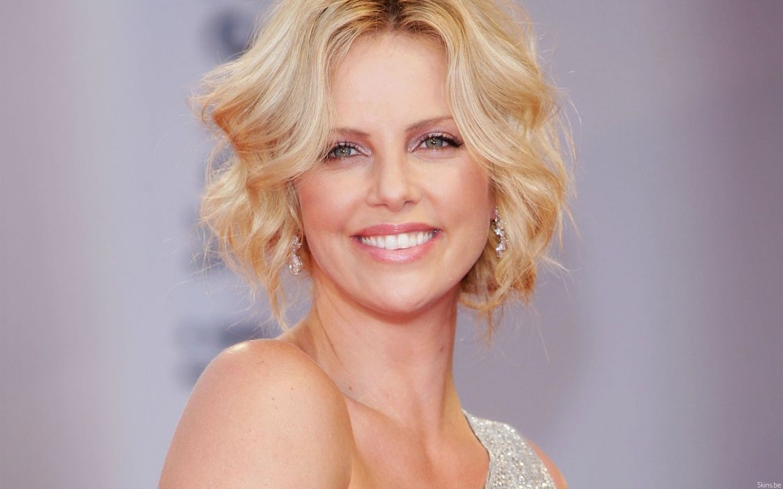 women Charlize Theron smiling wallpaper
