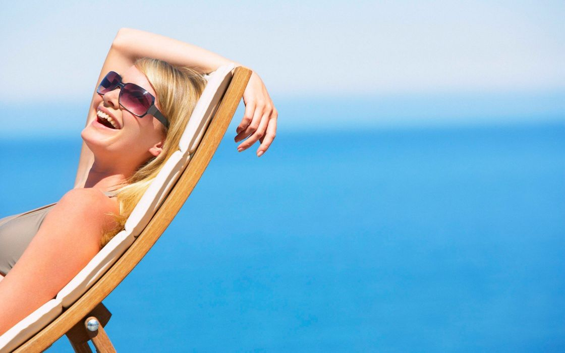 blondes women ocean sunglasses wallpaper
